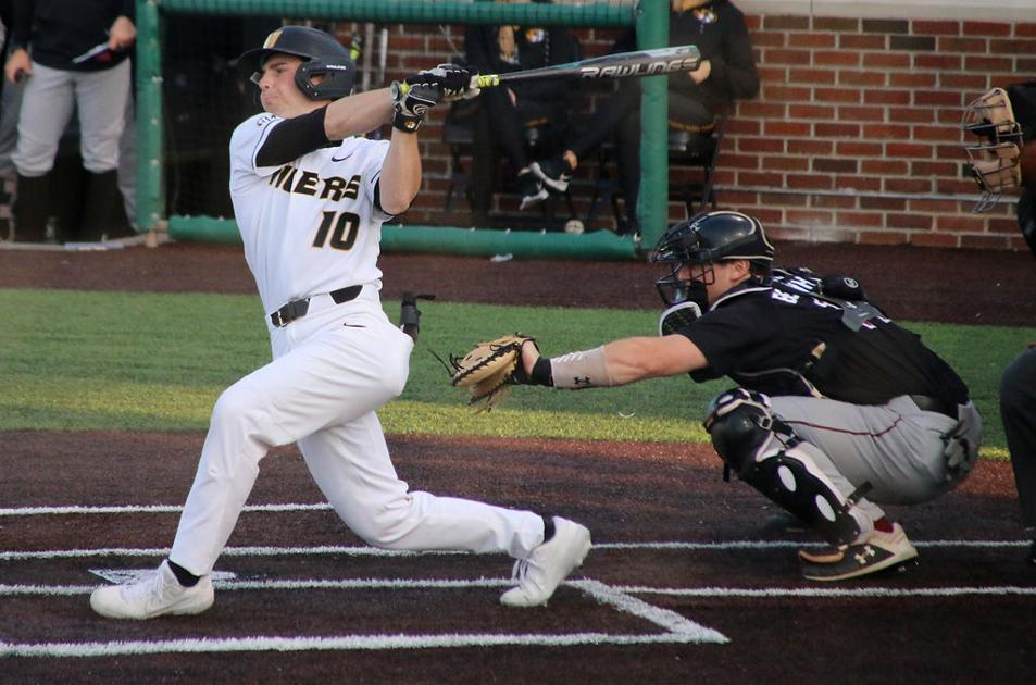 PHOTO GALLERY: Missouri baseball takes first game of series