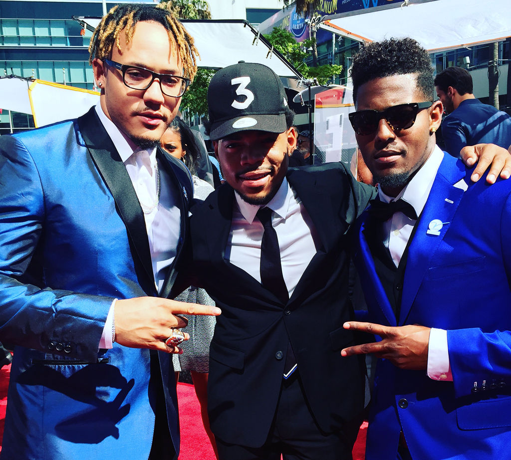 Ian Simon poses with Chance The Rapper and Shane Ray