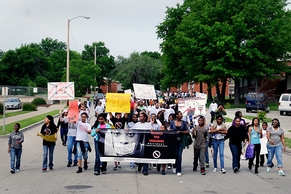 Columbia community members come together to Silence the Violence