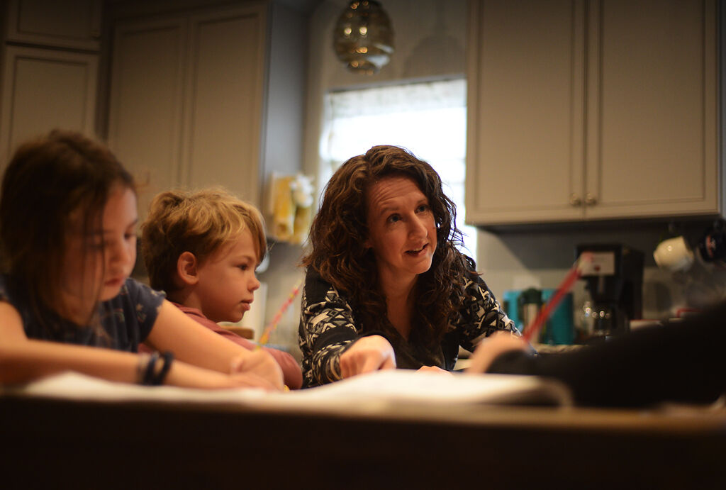 Sarah Reeves teaches her children, Maggie Reeves, Bodie Reeves and Lucy Reeves