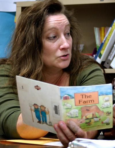 Emotionally Disturbed Students At >> Teacher Works Magic With Emotionally Disturbed Children K 12