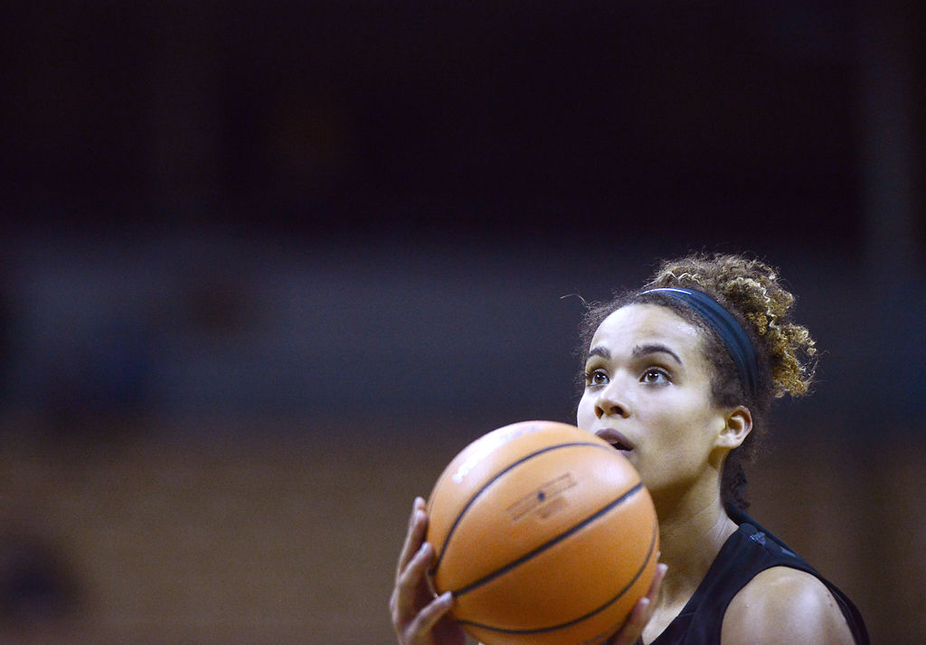 basketball coach cover letter%0A Porter u    s strong fourth quarter leads No     Missouri women u    s basketball  over Saint Louis