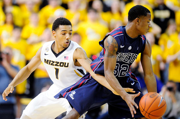 Missouri men's basketball eases past Ole Miss at Mizzou Arena