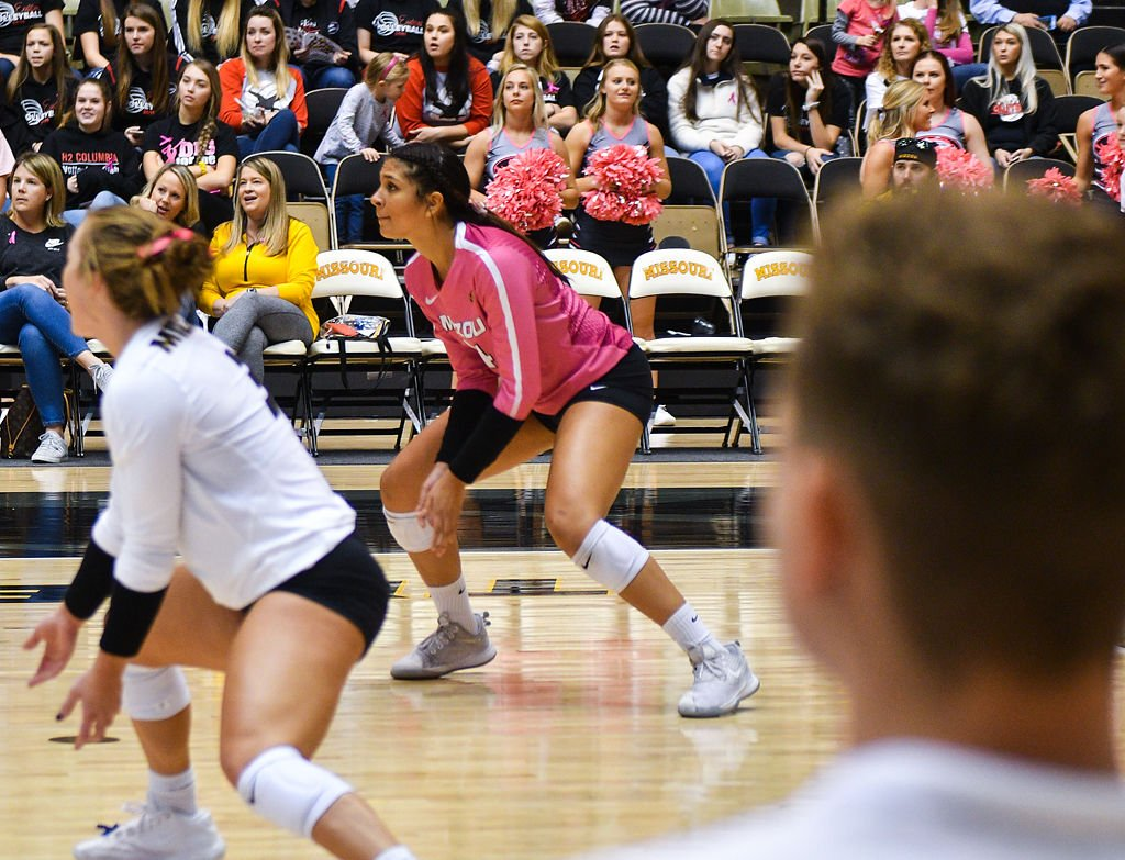 Missouri senior Riley Sents, and freshman Leandra Mangual- Duran watch the ball