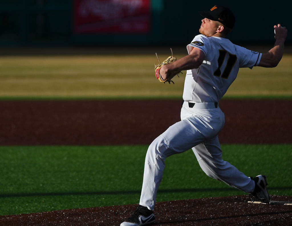 Missouri pitcher Konnor Ash winds up