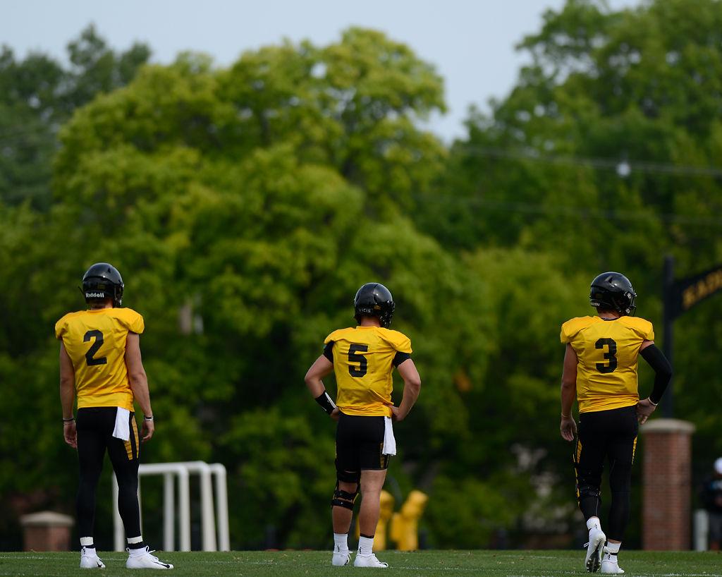 Notebook Tigers Tweak Depth Chart At Quarterback Ahead Of Opener