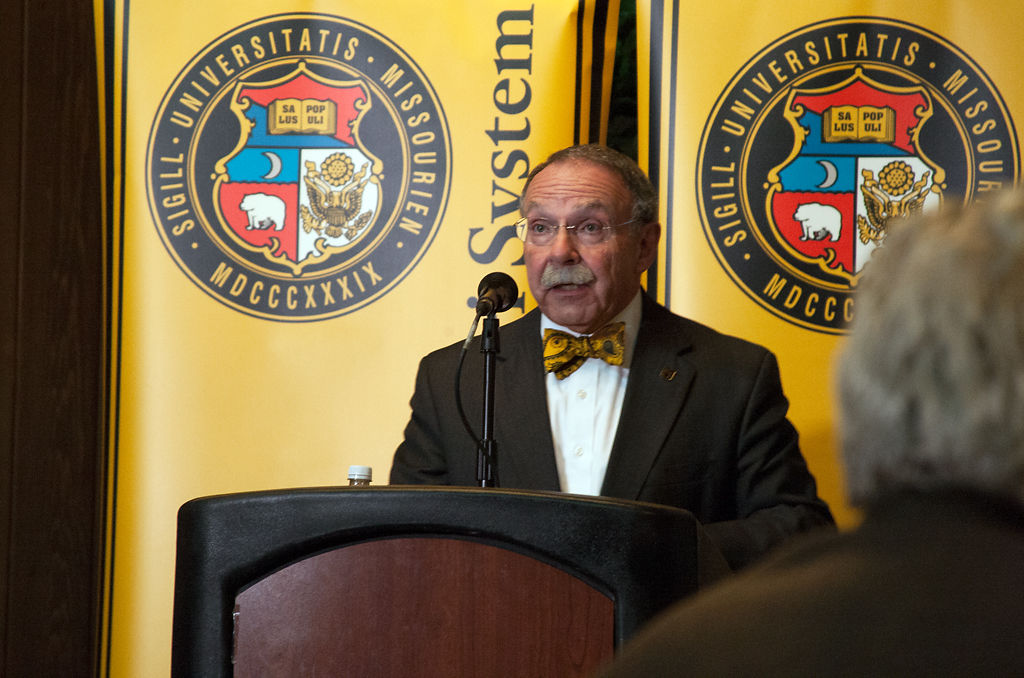 Bonus payments to R. Bowen Loftin cited in 2017 state audit report