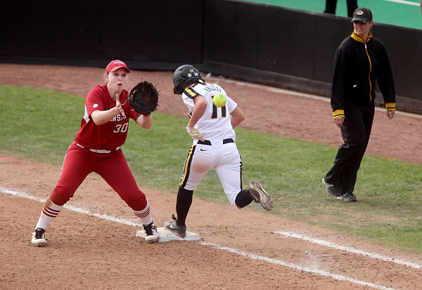 Missouri softball loses to Arkansas as pitching problems ...