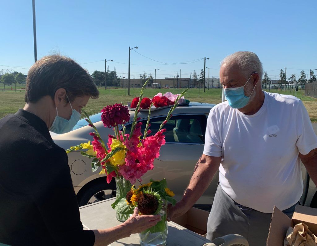 Rick Lazarick_ewing_volunteer_covid_flowers
