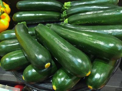 zucchini-1630518_1920