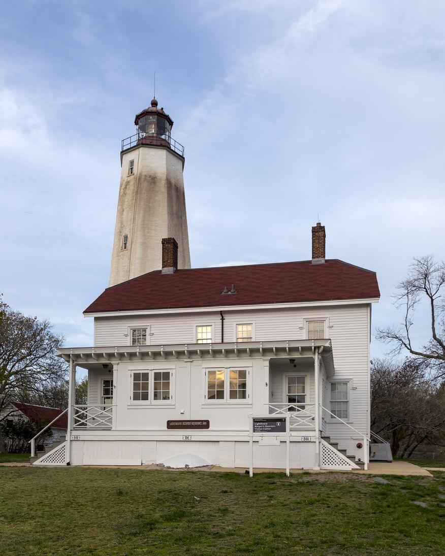 a Sandy_Hook_Lighthouse_NJ2Creative Commons Attribution-Share Alike 3.0 Unported license..jpg