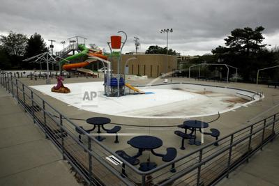 Kansas swimming pools closed or open