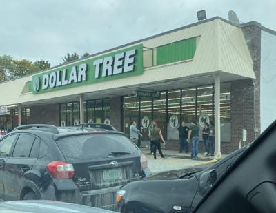 DOLLAR TREE EMPLOYEES