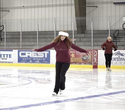 MWV Skating Club offers lessons