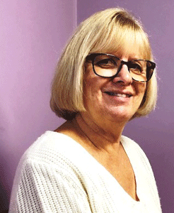 Janet Chevarie receives American Association of Nurse Practitioners award