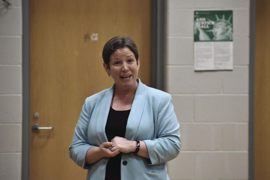 SAU 13 board makes superintendent job offer
