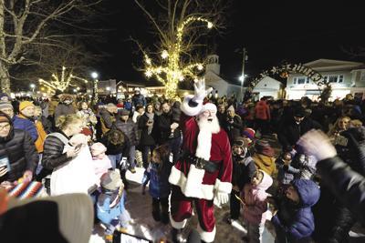 11-26-18 Santa in North Conway 1