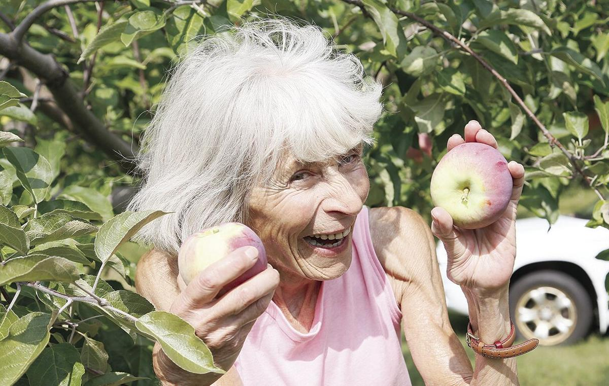09-12-21 Hatch's elaine and apples