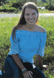 AVH awards scholarships to four area high school students