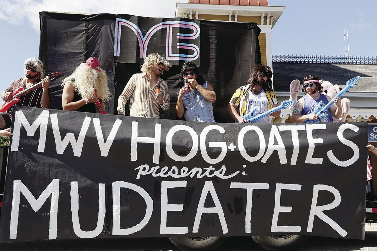 09-11-21 Mud Bowl parade hogs