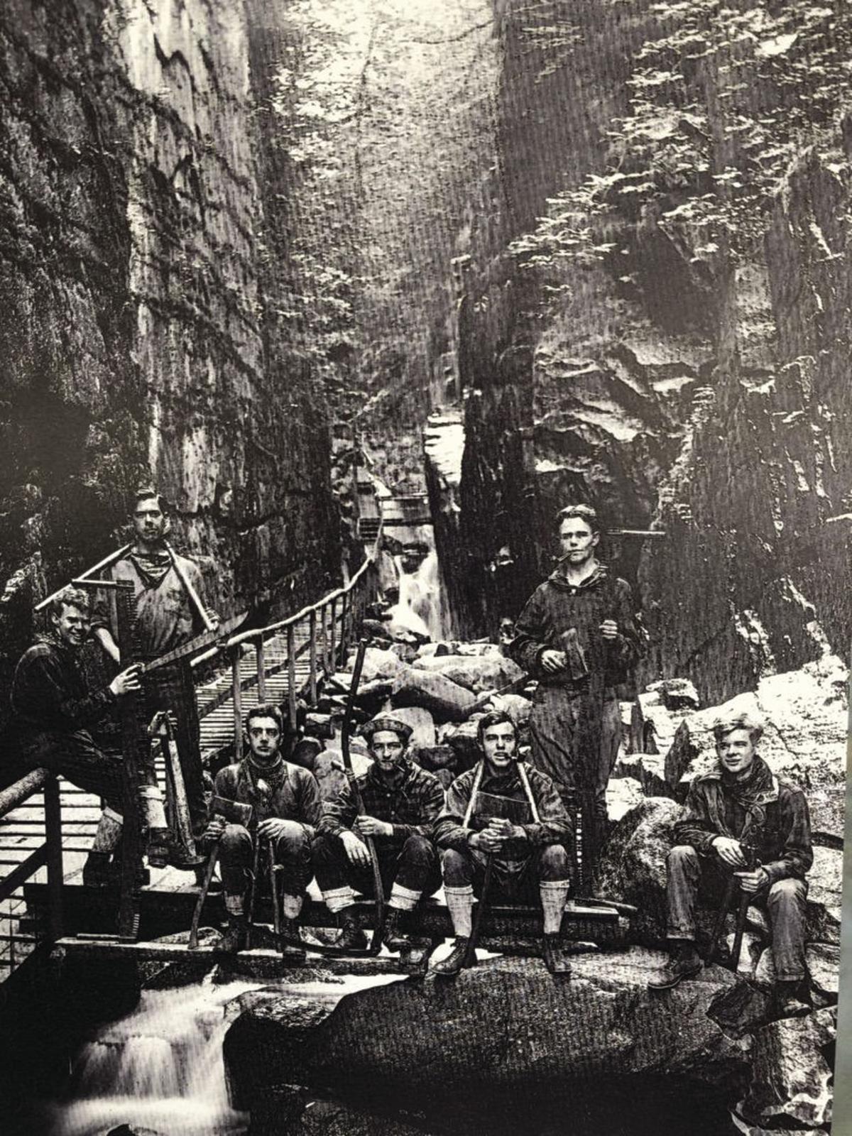 8-31-191924amctrailcrewåç.jpg