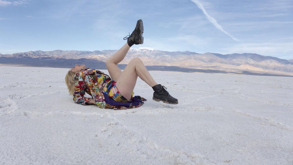 Kate Nash: Underestimate the Girl-2
