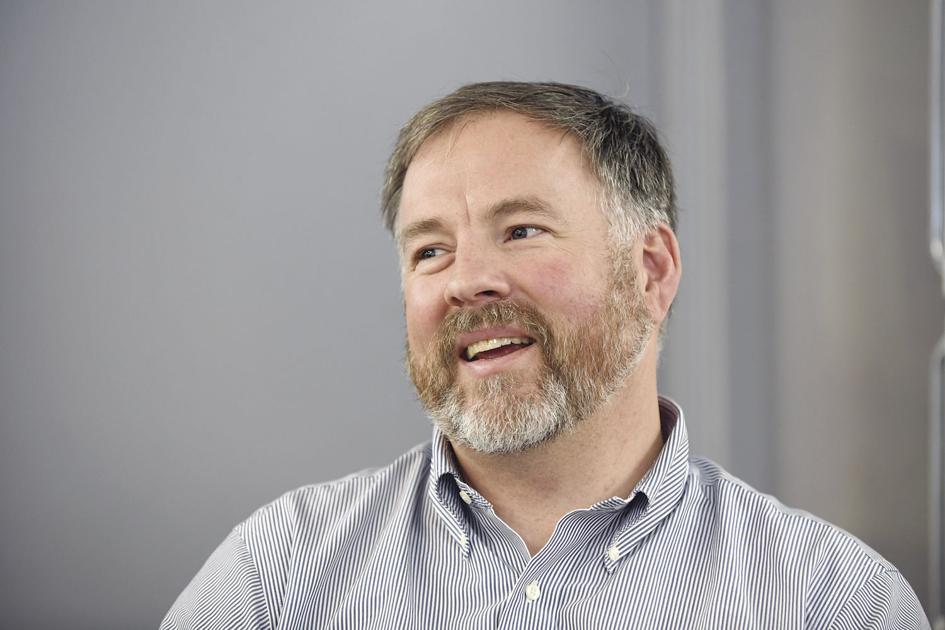 Meier seeks to unseat Bradley in N.H. Senate race