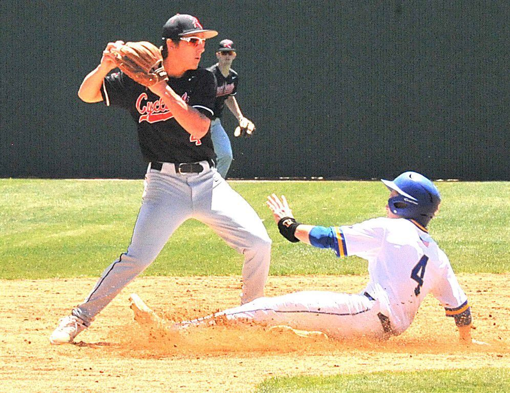 Cyclones advance to second round of state tourney