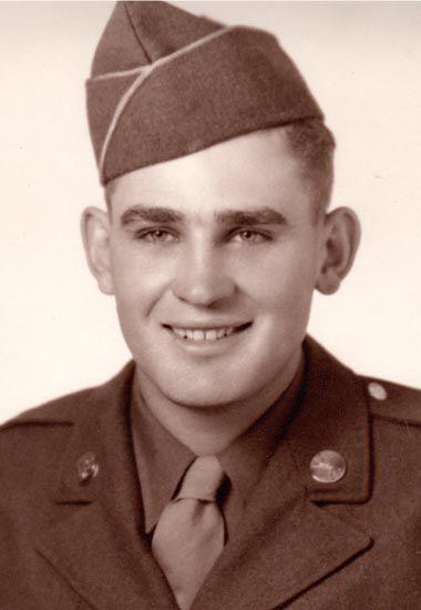 Warren Birkhead Army pic.jpg