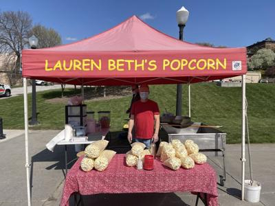 Popcorn stand picture