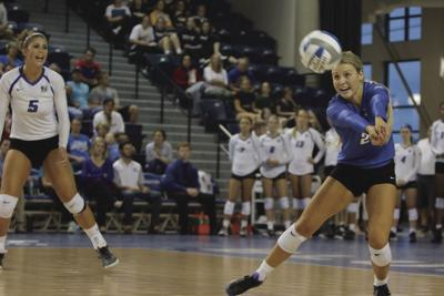 Volleyball finishes second at Bluejay Invitational