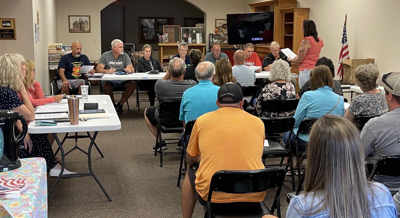 Sherwood residents talk solar field