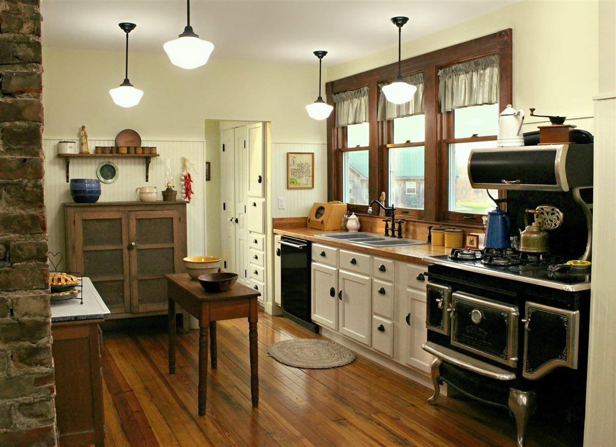 BPT kitchen (rustic)