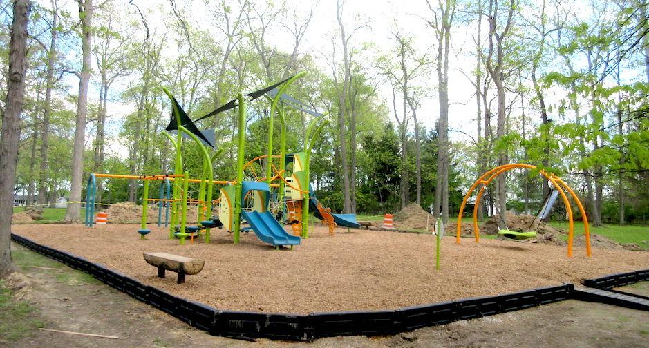 Carousel - Bronson playground
