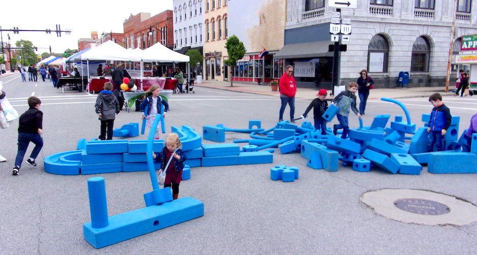 Carousel - big blue blocks