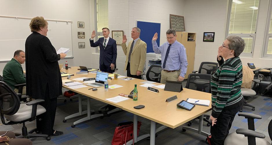 Carousel - new Def SB members sworn in
