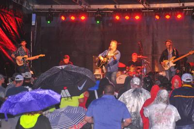 Diffie plays at Henry County Fair