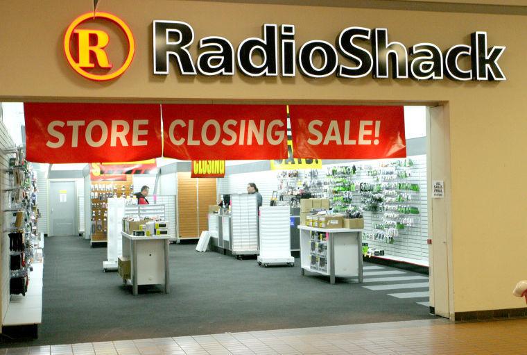 RadioShack closing Hutchinson Mall store