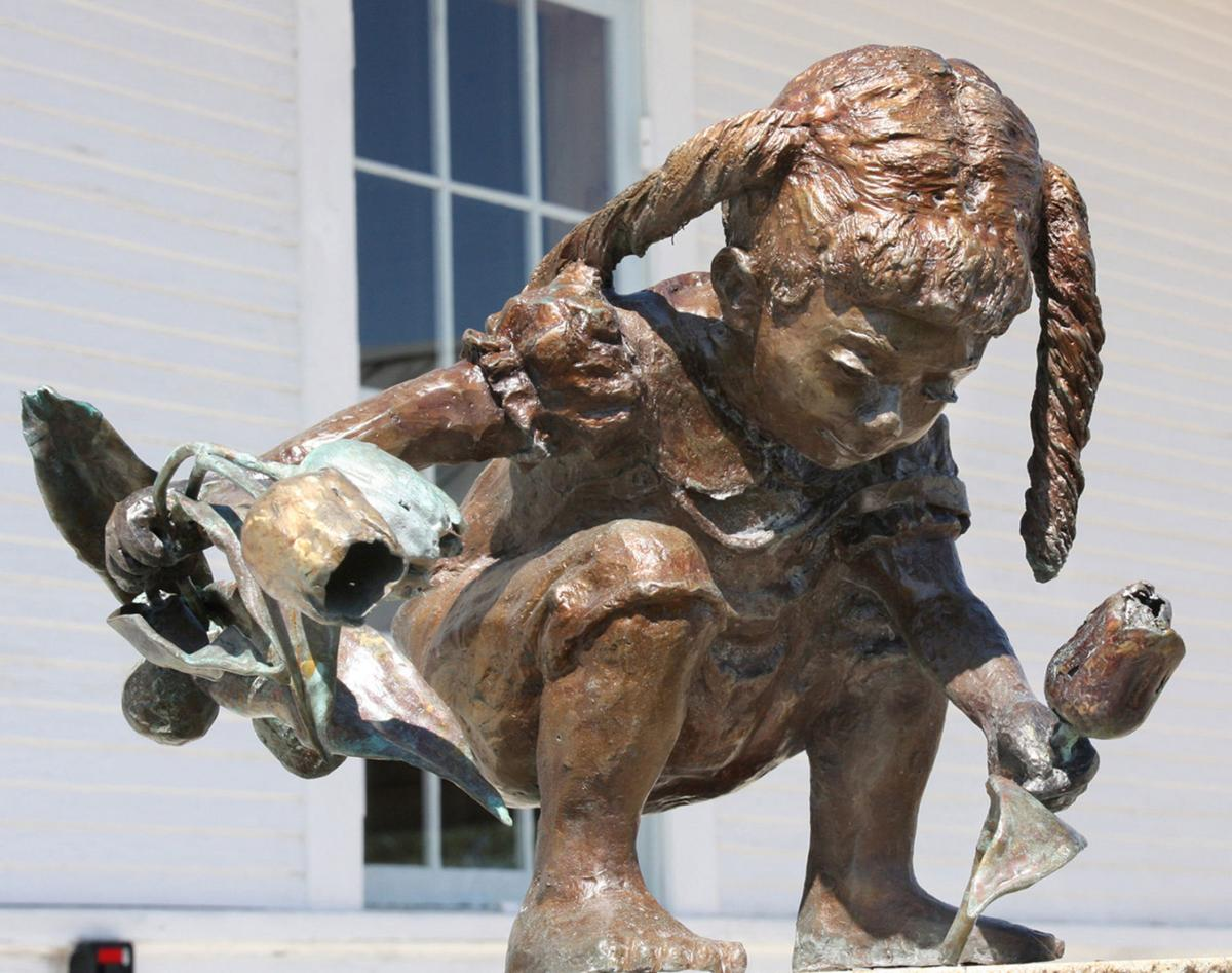 Vote for your favorite sculpture lifestyle