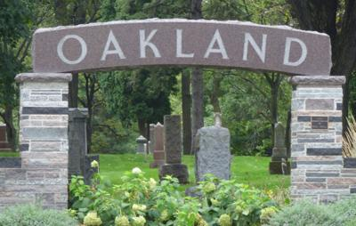 Oakland Cemetery sign