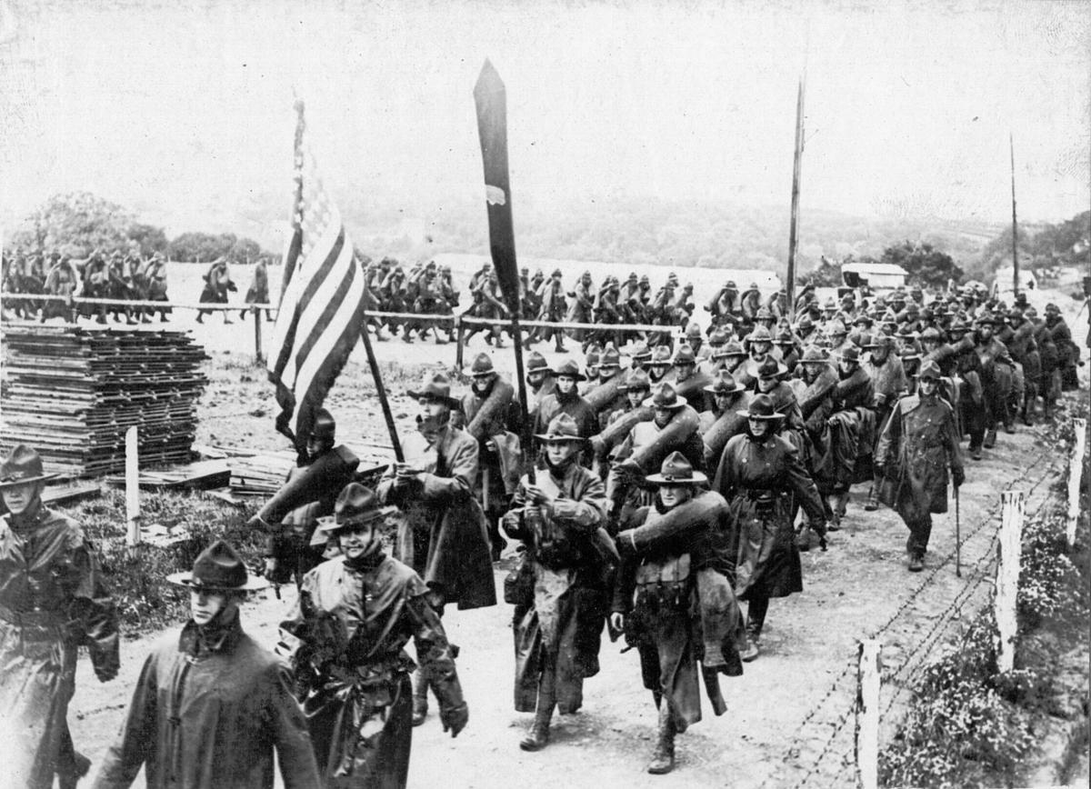 Troops arrive in Le Havre, France