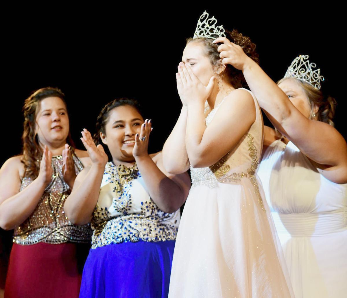 Cecelia Toenjes crowned Miss Litchfield 2019