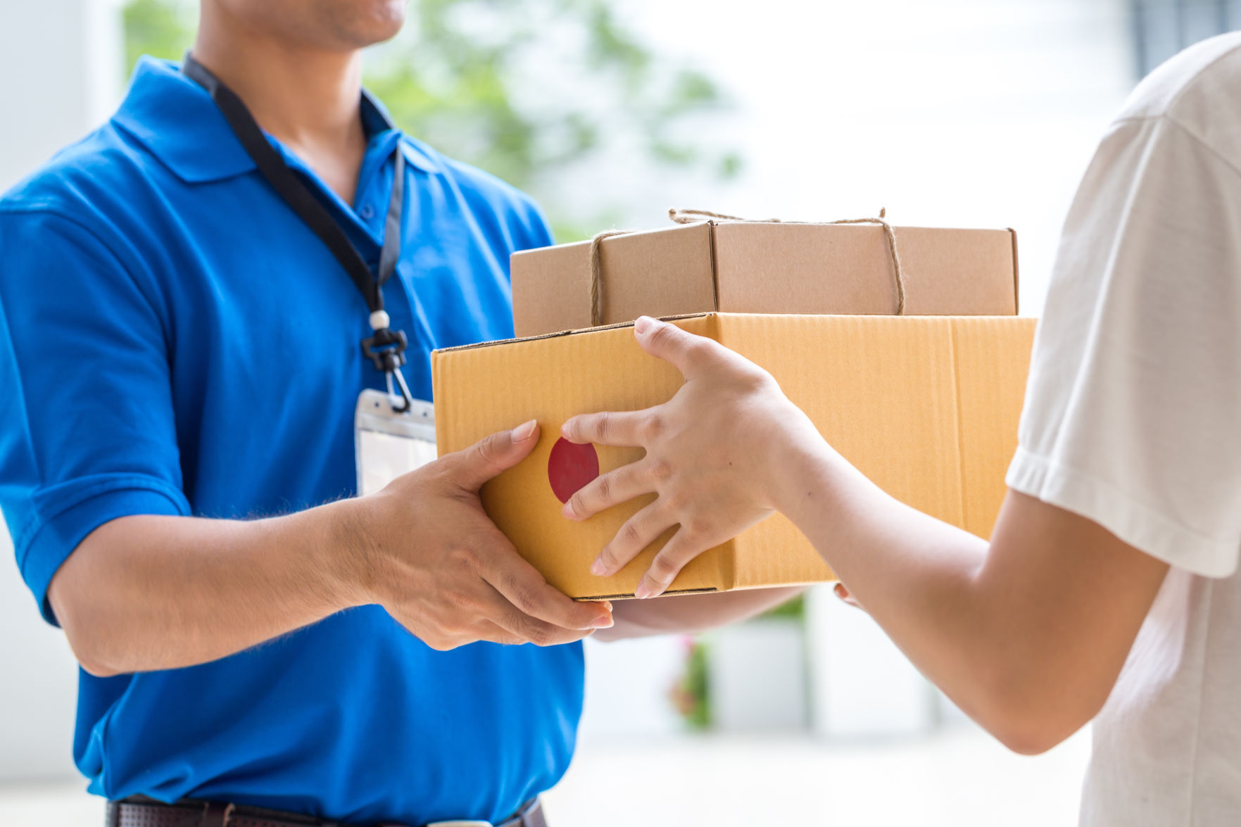 Postal Service Eyes Next Day Sunday Delivery For Holidays