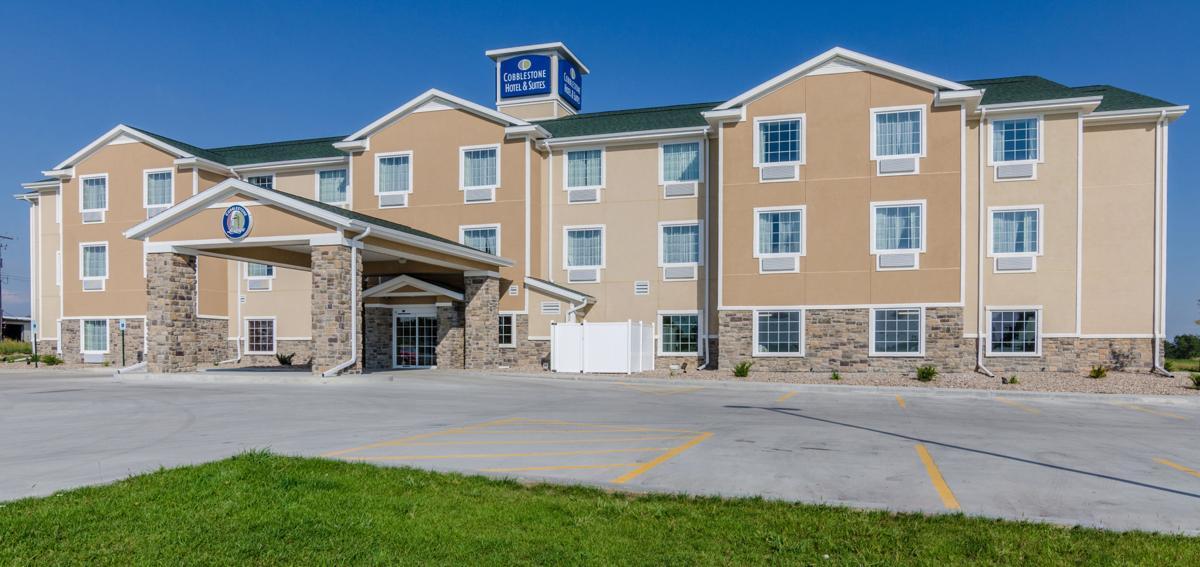 Cobblestone Hotel Latest In Planned Hutchinson Construction