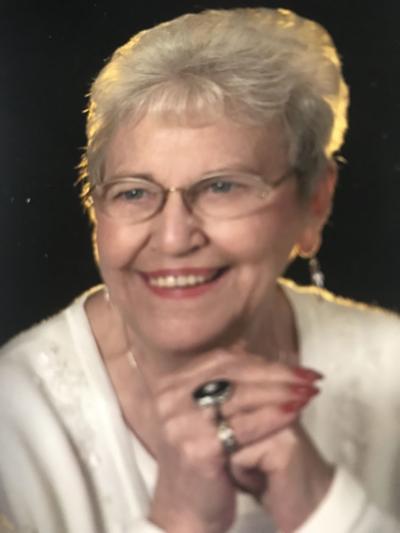 Nydia Schmidt, 89