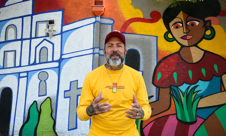 091721 murals  Bryan Oller00005 copy.jpg