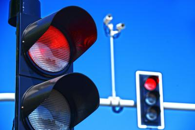 red light shutterstock_407052919