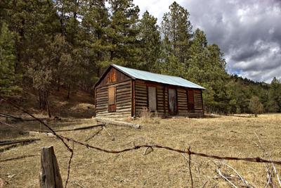 Hiking Holbert Cabin