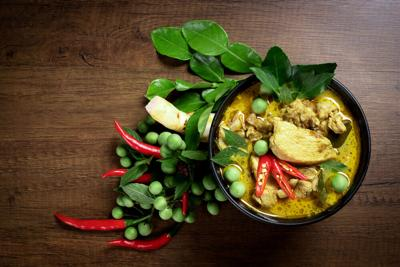 Thai,Food,,Green,Curry,Chicken,With,Coconut,Curry,On,A