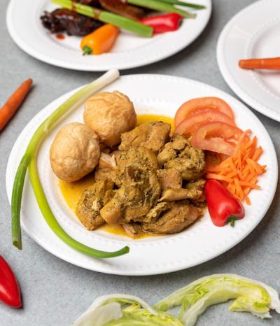 Fort Carson-launched Dainty's Jamaican Kitchen takes over at former Cupcake Girls spot